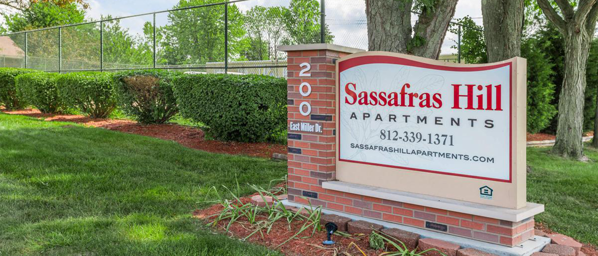 Sassafras hill apartments apartments in bloomington in - 4 bedroom apartments bloomington in ...